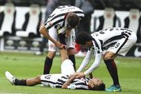 Bayern held at 10-man Frankfurt, Gladbach miss two penalties