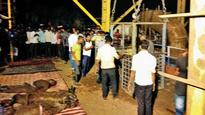 Eight killed in Pune tunnel lift collapse