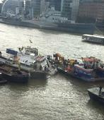 BREAKING: Passenger boat sinks on River Thames - fire brigade attempt rescue