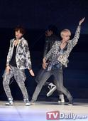 SEOUL GIRLS COLLECTION: SHINee and EXO-K Rock the Stage