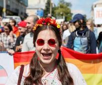 Praise from West after mostly peaceful Kiev Pride march