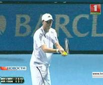 Bryan brothers defeated by Max Mirny and Mikhail Youzhny in the first round of Miami tournament.
