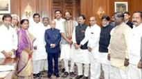 Congress leaders meet President on forcible land acquisitions