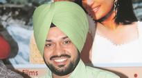 AAP leader Gurpreet Singh Ghuggi visits border villages