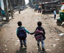 13 Pictures Of Indian Kids On Their Way To School That Will Send Shivers Down Your Spine