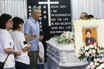 PM Lee pays respect at market stallholder's wake