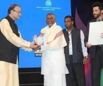 Ilayaraja gets Nishagandhi Puraskaram from Kerala government