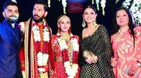 Anushka and Virat shake a leg with newlyweds