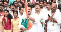Lt Col Mohanlal celebrates Independence Day with school kids | Pix
