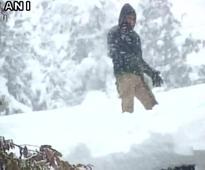 J-K: Fresh snowfall hampers transport, water supply