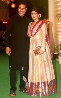 PIX: Akshay, Twinkle at Ekta Kapoor's Diwali bash