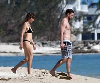 Jessica Biel and Justin Timberlake look incredibly on beach vacation
