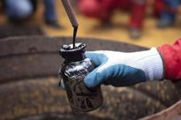 Venezuelan crude sales to the United States declined 14 percent in Jan