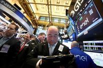 Wall Street rises with oil; investors shrug off Italian referendum