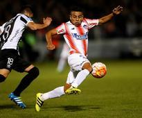 Santos sign Colombian attacker Hernandez