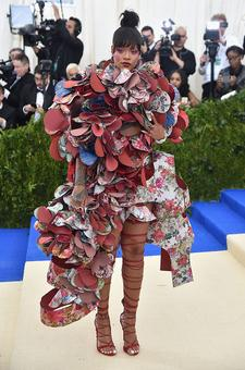 Why is everyone talking about Rihanna's outfit