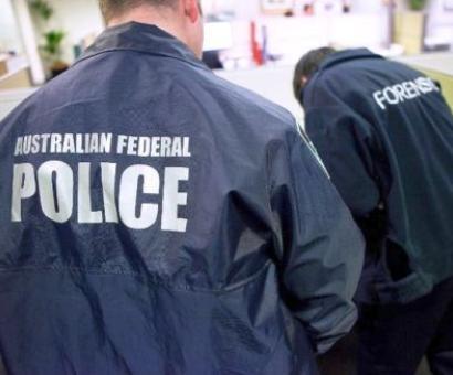 Australian police raids 'disrupt' terror plot to target aircraft