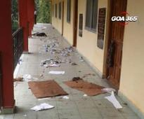 Tuesday morning, some unknown persons dumped garbage in the verandah  of the savoi verem village panchayat