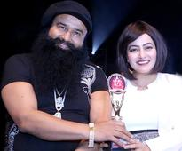 Asia Book Of Record conferred to Dr. MSG for 43 credits in Hind KA Napak Ko Jawab-MSG Lion Heart 2