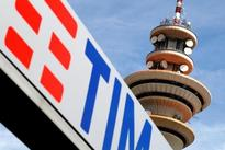 DEUTSCHE TELEKOM : EU looks for telecom sweeteners to spur fast broadband roll-out