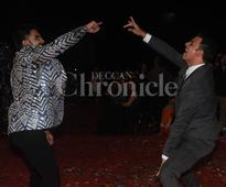 Ranveer Singh shares best actor award with Amitabh Bachchan, falls at his feet