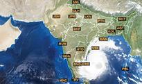 Cyclone Vardah of 100 kmphtakes aim, Chennai on crosshairs