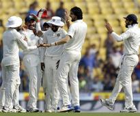 India restrict Sri Lanka to 47/2 at lunch on Day 1