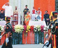 Colourful R-Day celebrations in Maharashtra