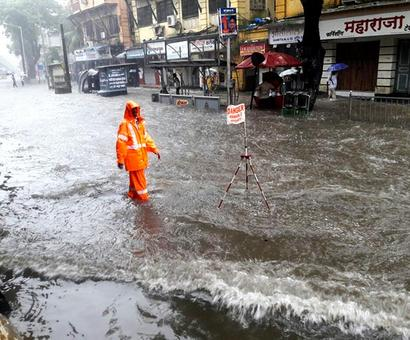 Rs 5 cr reward for cops who worked during Aug 29 Mumbai deluge
