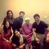 Check out: Farhan Akhtar, Vidya Balan, Kalki Koechlin and others pose together at Javed Akhtar's birthday