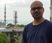 Comedian Junaid Akram's take on Qandeel's murder is an eye opener for Pakistanis