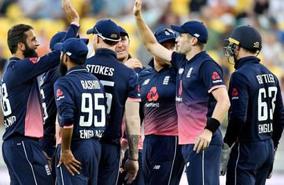3rd ODI: England hold nerve to beat New Zealand