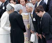 Celebrities, politicians attend garden party hosted by Emperor Akihito