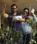Kareena Kapoor turns Santa as she celebrates Christmas with Saif Ali Khan, her gang of girls. See pics