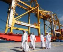 Nov. 12, 1996: Jebeli Ali Port gets new gantries