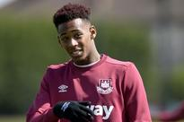 West Ham prepare contract talks with Reece Oxford amid Manchester United interest