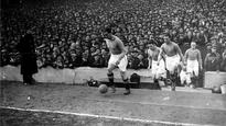 FIFA.com recalls the day Everton's Dixie Dean completed a hat-trick on the final day to make it a still-standing record of 60 league goals in a season...