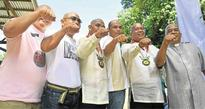 Backers shave heads for jailed Iligan mayor
