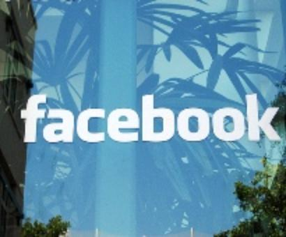 Facebook revamps its news feed