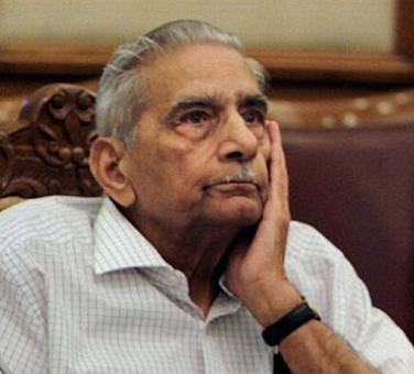 Now, Shanti Bhushan steps into Herald row