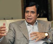 Elahi advises Khan not to hold sit-in outside Raiwind Palace