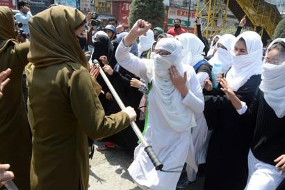 All-women battalion to be formed in J&K to deal with women stone pelters