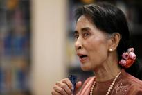 Suu Kyi Calls for Investment After Obama Pledges Sanctions Relief