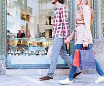 Drop in US consumer spend clouds Fed rate hike outlook
