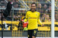 Manchester United target Pierre-Emerick Aubameyang set to stay at Borussia Dortmund this summer