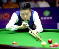 Ding Junhui competes at 2016 Shanghai Masters world snooker tournament