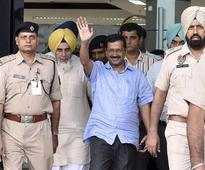 Arvind Kejriwal cleans dishes at Golden Temple as penance