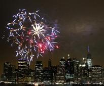 CBS US News: Americans revel in July 4th celebrations
