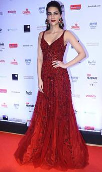 Kriti, Vaani, Taapsee: Best Dressed Actress? VOTE!