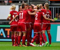 Women's Euro 2017: Denmark reach semi